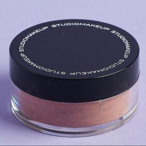 Studio Makeup blush